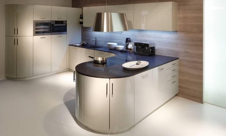 moderne keukens. Black Bedroom Furniture Sets. Home Design Ideas